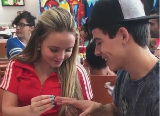 Larissa Manoela e Thomaz Costa na Disney